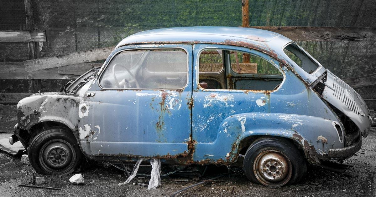 POZOR: odložený autovrak vyjde na 13000 ročně